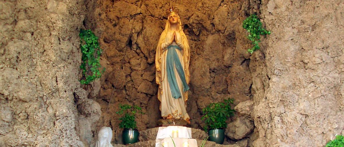 Permalink auf:Die Lourdesgrotte