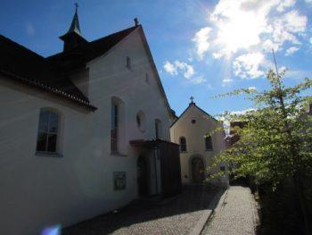 kap-kirche-aussen-nachmittags