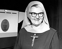 mother_angelica_4